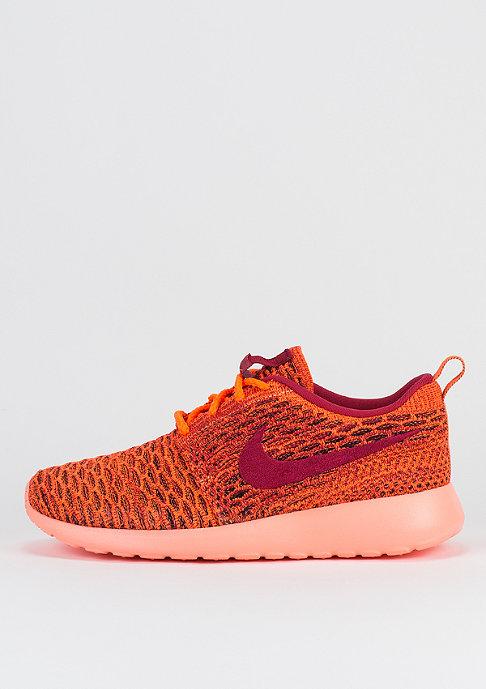 NIKE Laufschuh Wmns Roshe Flyknit orange/gym red