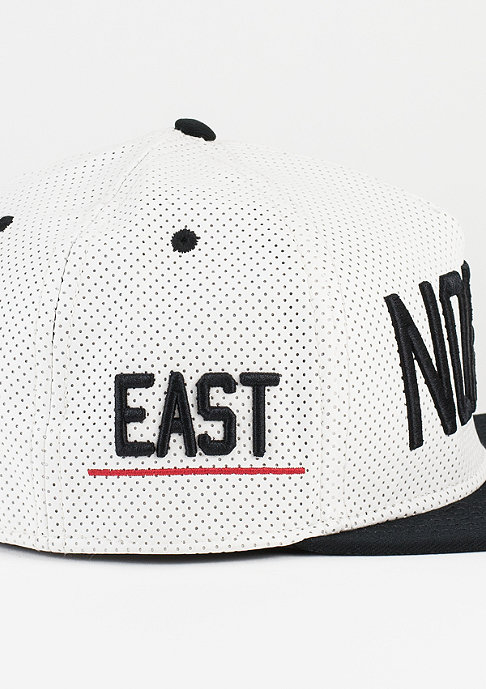 Cayler & Sons Snapback-Cap North white/black/red