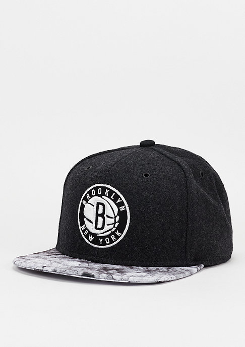Mitchell & Ness Snapback-Cap Volcano Ash NBA Brooklyn Nets charcoal