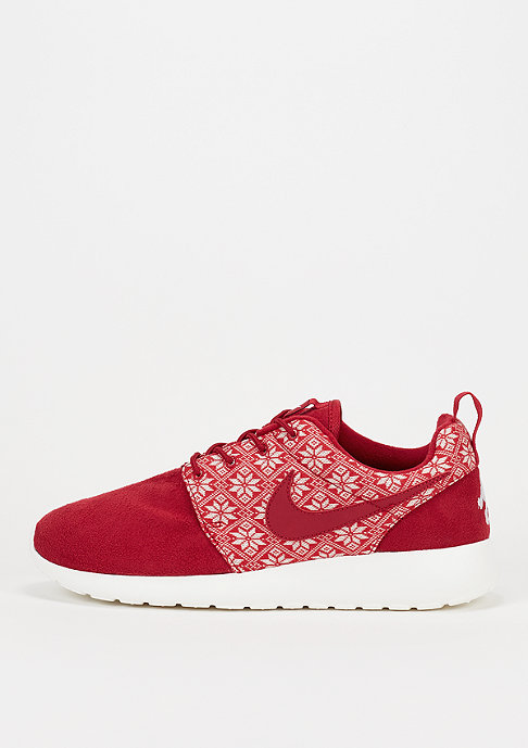 NIKE Laufschuh Roshe One Winter gym red/gym red/sail