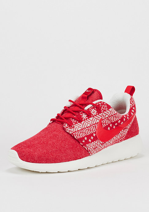 NIKE Laufschuh Wmns Roshe One Winter university red/sail