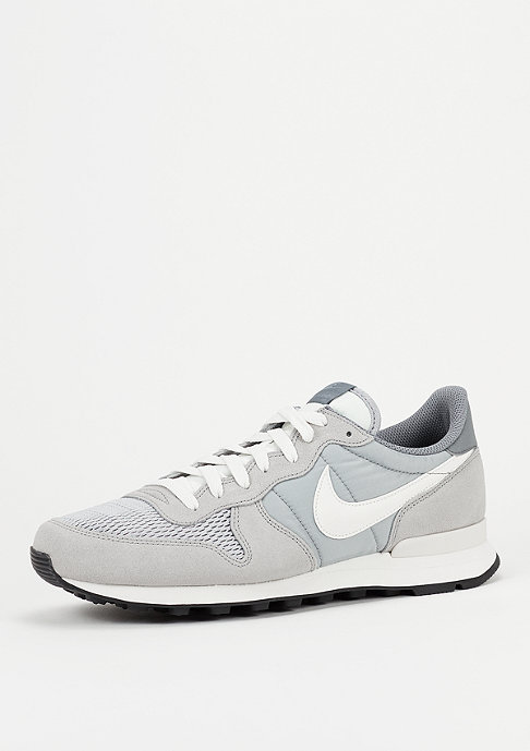NIKE Schoen Internationalist wolf grey/sail/sail