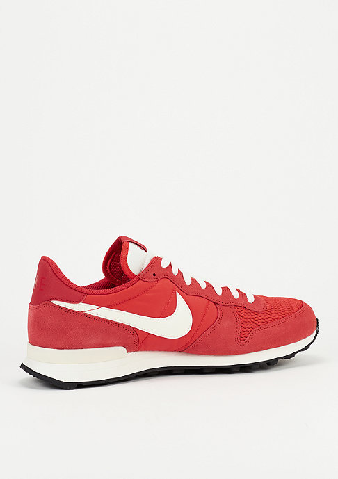 NIKE Schoen Internationalist light crimson/sail/sail