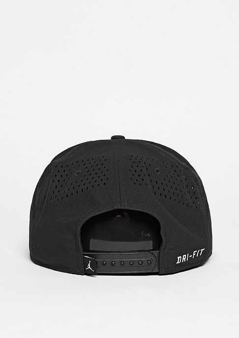 JORDAN Snapback-Cap Jumpman Perforated black/reflective silver