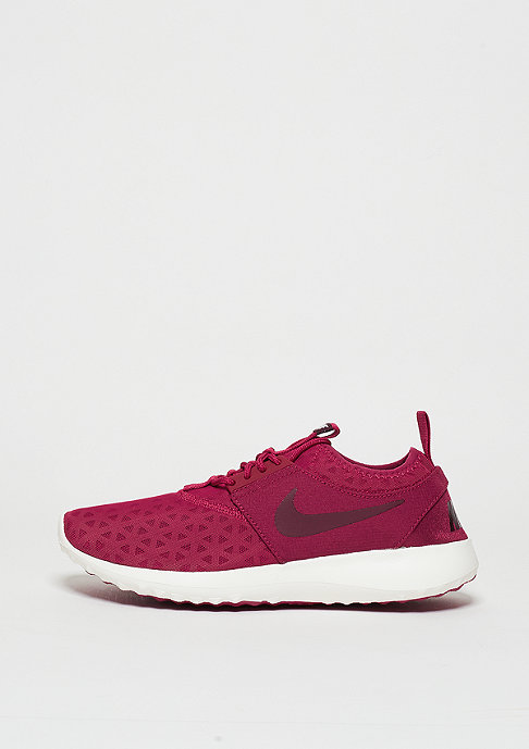NIKE Laufschuh Wmns Juvenate noble red/night maroon/sail