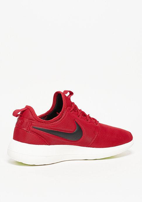 NIKE Roshe Two gym red/black/sail