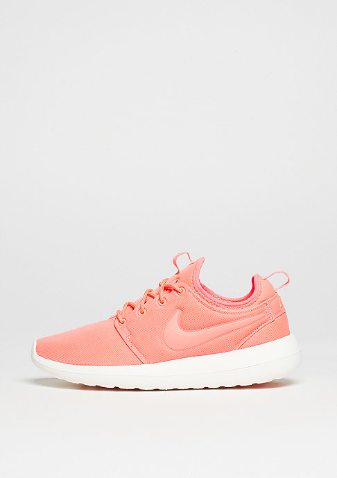 NIKE Roshe Two atomic pink/sail/turf orange