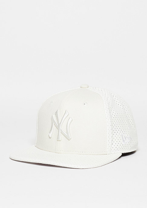 New Era Tonal Perf Vize MLB New York Yankees optic white/optic white