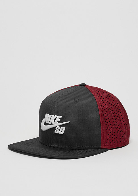 NIKE SB Snapback-Cap Performance black/team red/black
