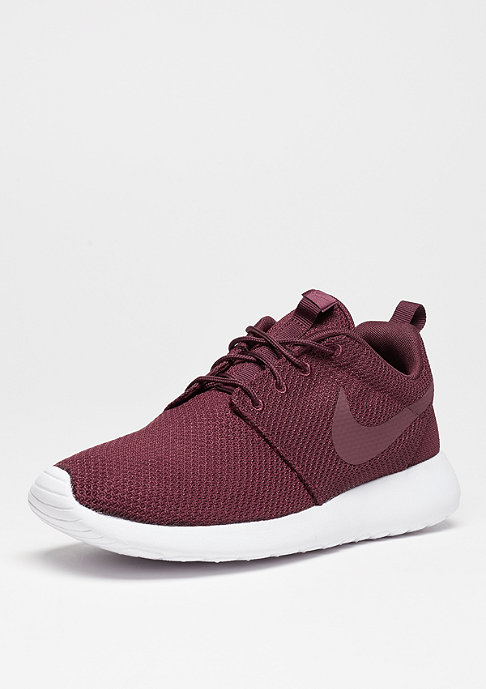 NIKE Laufschuh Roshe One night maroon/night maroon/white