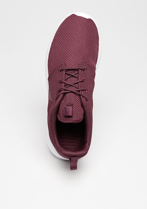 NIKE Roshe One night maroon/night maroon/white