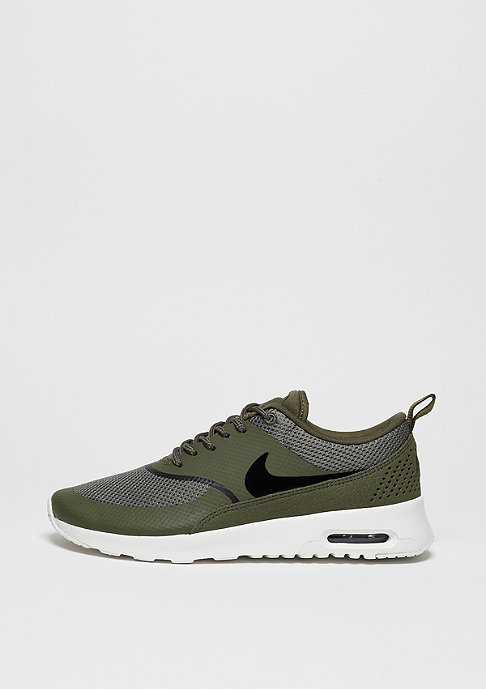 NIKE Laufschuh Air Max Thea med olive/black/summit white