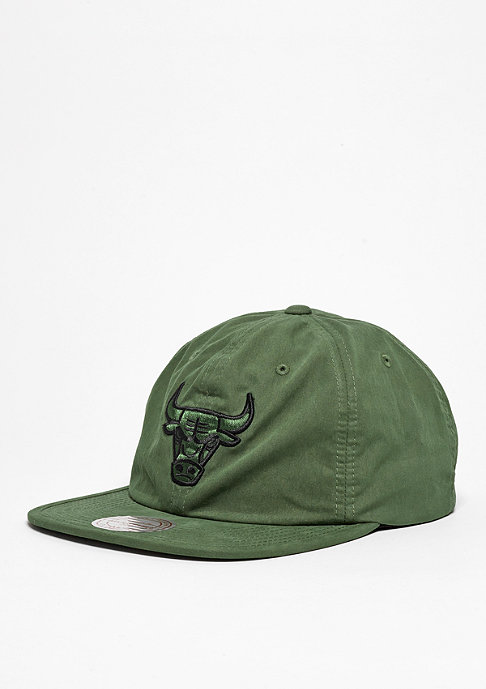 Mitchell & Ness Strapback-Cap Outdoor Low Pro NBA Chicago Bulls olive