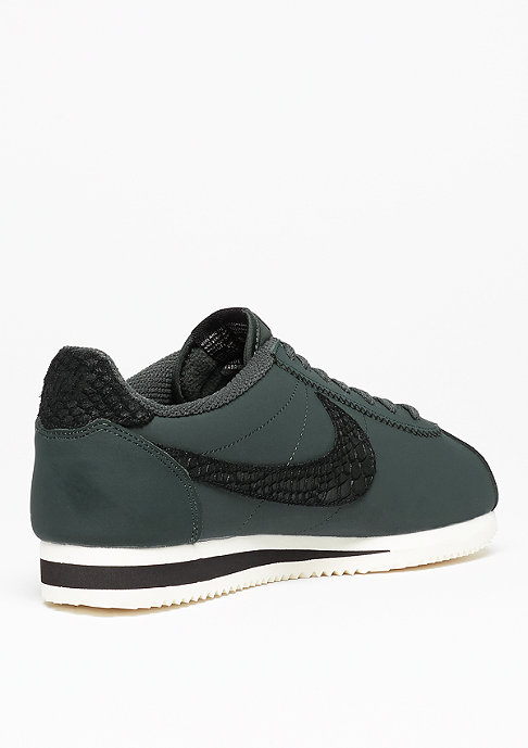 NIKE Classic Cortez Leather SE seaweed/black/sail