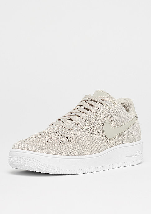 NIKE Air Force 1 Flyknit Low strings/strings/white
