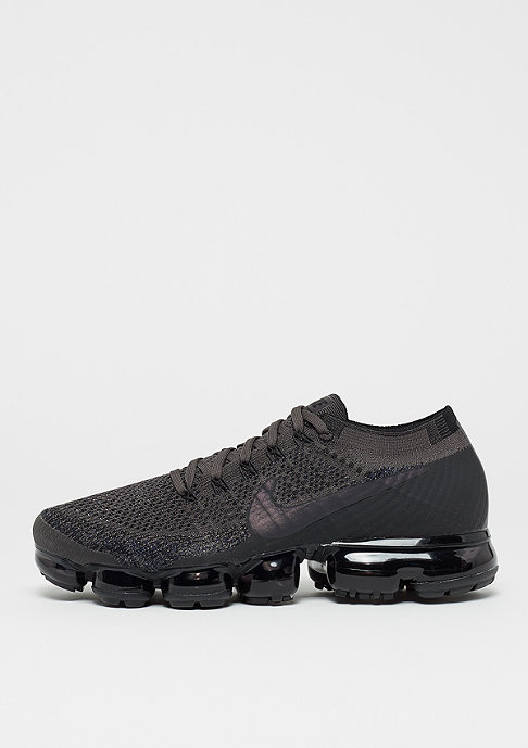 Black Nike Air Vapormax Flyknit
