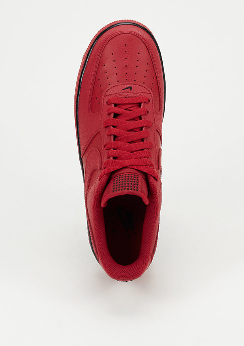 NIKE Schuh Air Force 1 07 gym red/gym red