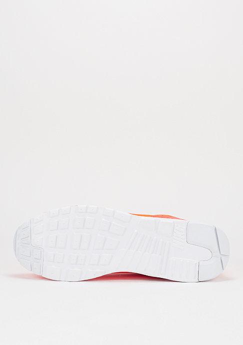 NIKE Schuh Air Max Tavas Special Edition total crimson/total crimson