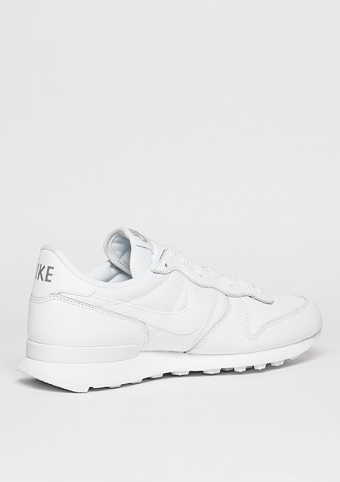 NIKE Laufschuh Internationalist white/white/metallic silver