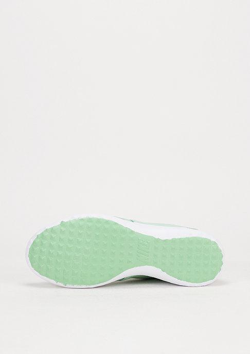 NIKE Laufschuh Wmns Juvenate enamel green/enamel green/black