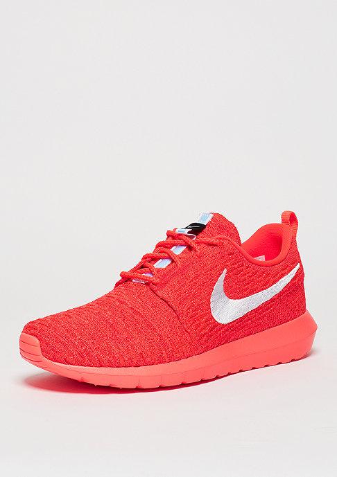 NIKE Laufschuh Roshe Flyknit bright crimson/white/university red