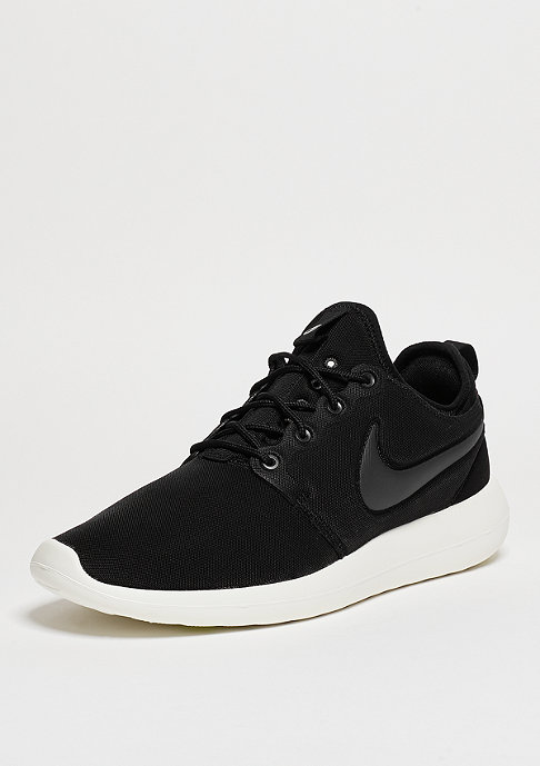 NIKE Laufschuh Roshe Two black/anthracite/sail