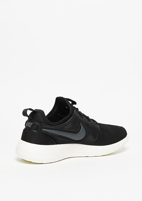 NIKE Laufschuh Wmns Roshe Two black/anthracite/sail
