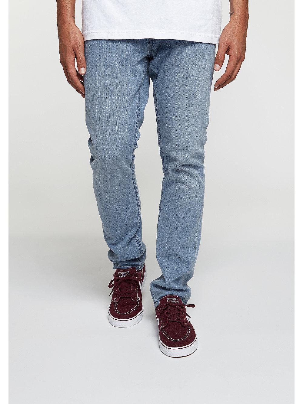 Artikel klicken und genauer betrachten! - Material: 98,62% Baumwolle,1,38% Elasthan Größenhinweis : Ömer ist 1,82 m groß, schlank gebaut und trägt diese Jeans in 32/32. Der Artikel wird in 1- 3 Tagen zu Dir nach Hause geliefert. Der Artikel ist verfügbar in den Größen 32/32,34/32,30/32,28/30,34/34 für Herren. | im Online Shop kaufen