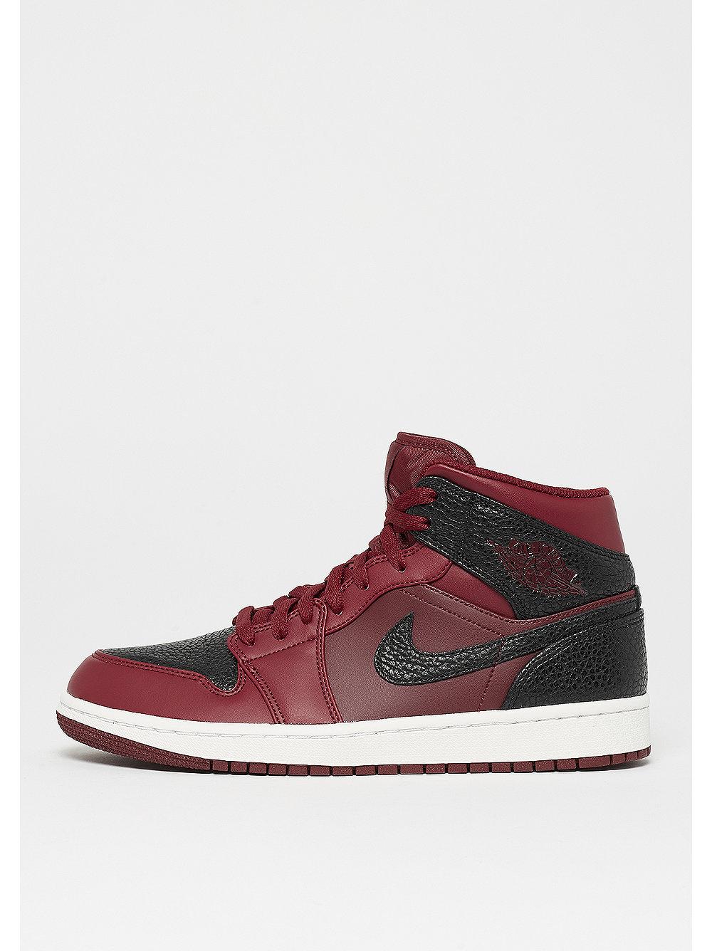 Jordan herensneaker zwart, rood en wit