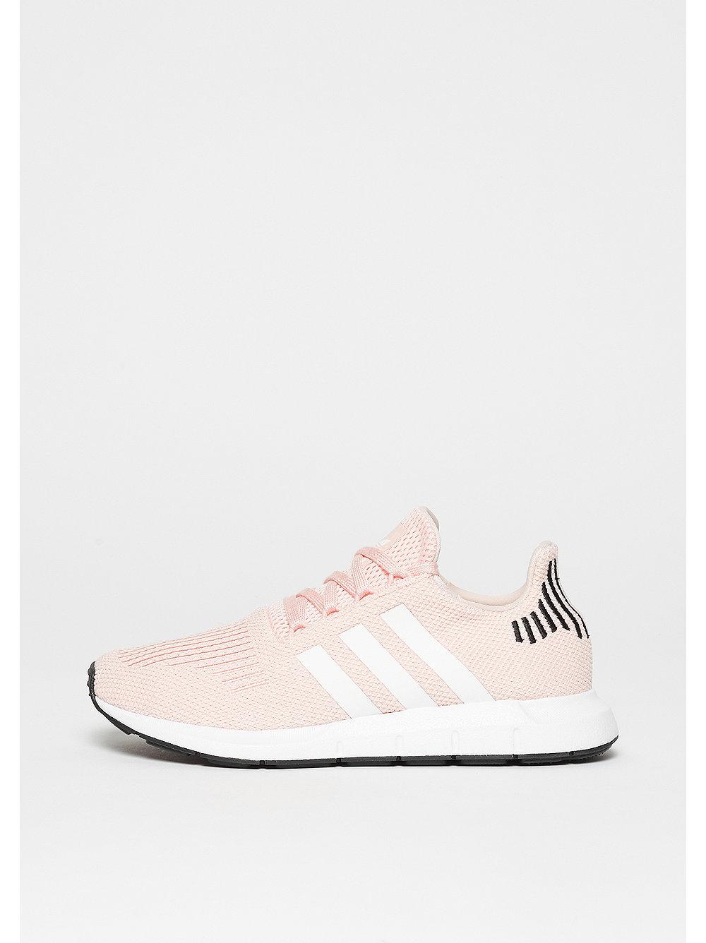 Swift Run icey pink/ftwr white/core black