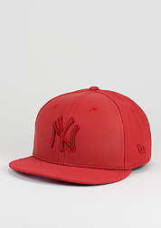 Tonal Snap MLB New York Yankees scarlet