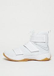 Basketballschuh Lebron Soldier 10 SFG white/metallic silver
