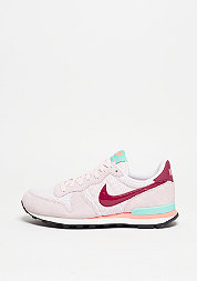 Internationalist pink/red/hyper turquoise