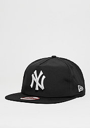 Snapback-Cap Remix Poly MLB New York Yankees black/optic white