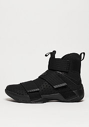 Basketballschuh LeBron Soldier 10 black/black