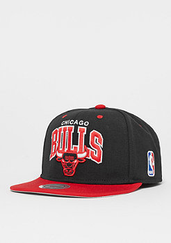 Mitchell & Ness Snapback-Cap Arch 2Tone NBA Chicago Bulls black/red