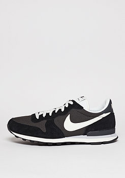 NIKE Internationalist deep pewter/sail/black