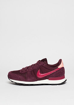Laufschuh Wmns Internationalist night maroon/noble red/atomic pink