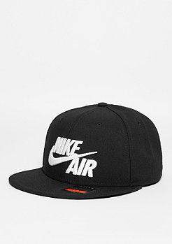 Air True black/black/white