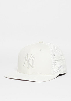 Snapback-Cap Tonal Perf Vize MLB New York Yankees optic white/optic white