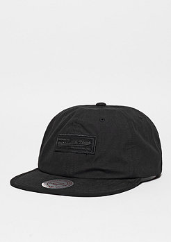 Snapback-Cap Pitch black