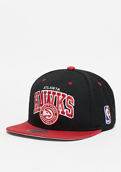 Mitchell & Ness Snapback-Cap Team Arch NBA Atlanta Hawks black/red
