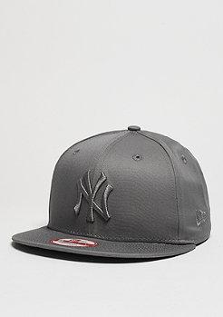 League Essential MLB New York Yankees storm grey