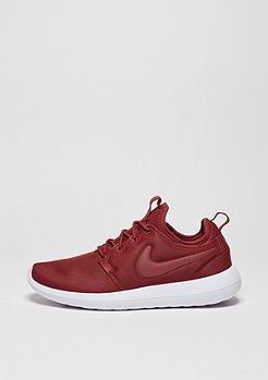 Roshe Two dark cayenn/dark cayenn/white