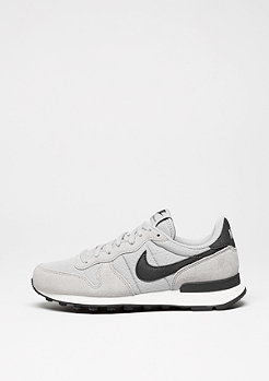 Laufschuh Internationalist wolf grey/black/summit white