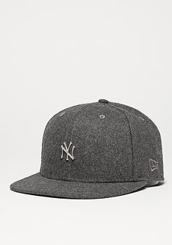 Fitted-Cap 59Fifty Melton Metal Logo MLB New York Yankees graphite