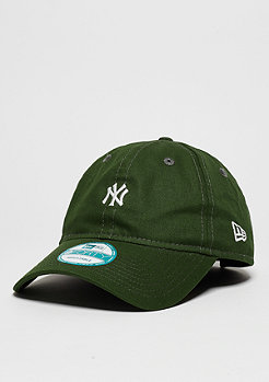 9Forty Essential MLB New York Yankees rifle green/white