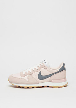 NIKE Laufschuh Internationalist sunset tint/cool grey/summit white