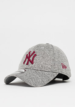 New Era 9Forty Tech Jersey MLB New York Yankees grey/cardinal