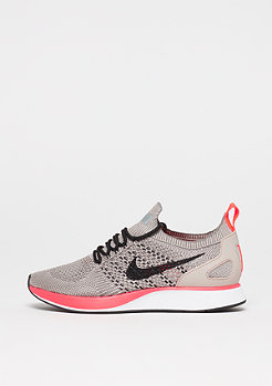 NIKE Air Zoom Mariah Flyknit Racer string/black/white/solar red